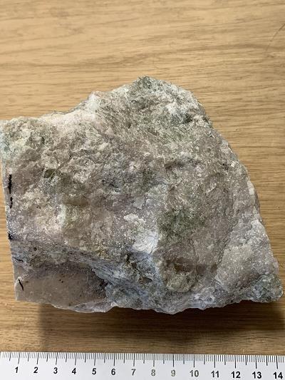 Apatites in an Archean carbonatite - Siilinjarvi deposit (Finland)
